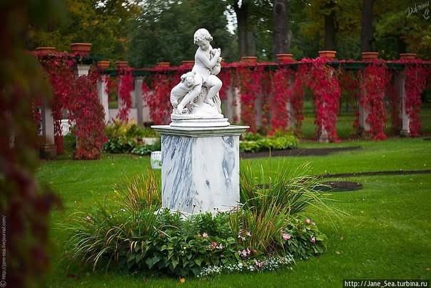 Четыре самых красивых пригородных парка Петербурга