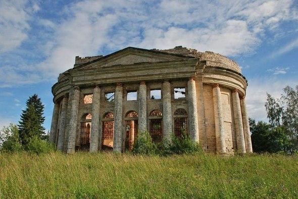 8 самых интересных заброшенных мест Петербурга и Ленинградской области