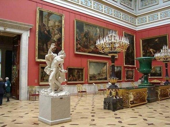 В Петербурге можно вполне бюджетно посетить массу замечательных мест, а ряд музеев даже бесплатно!