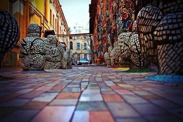 Экскурсия «Легендарные дворы Петербурга: Чернышевская»