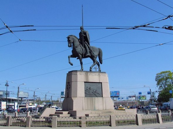 Маршрут вокруг станции «Площадь Александра Невского»
