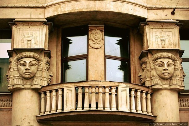 Четыре дома Петербурга, на которые стоит взглянуть