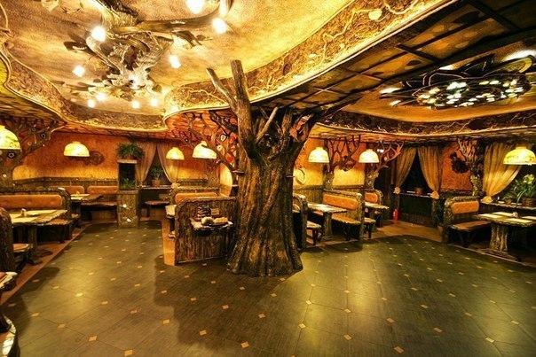 Рестораны с необычным интерьером в Петербурге