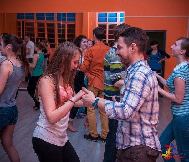 Бесплатный открытый урок по парным танцам. Сальса для начинающих....