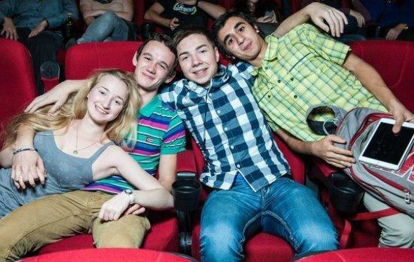 Ночь премьерного кино в самом центре Питера!