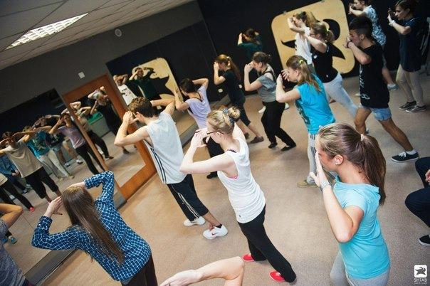 Бесплатные пробные уроки современных танцев на ближайшую неделю!...
