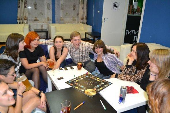 Вечер Игр: Играем в Мафию, Шляпу, Jungle speed, Дженгу, Знаменитость, Uno, Диксит, Alias Party, Доббль, Крокодил, С...