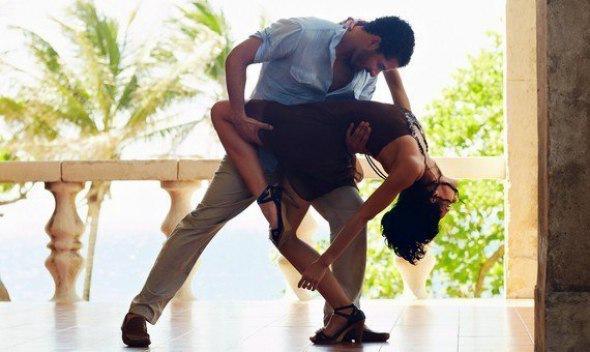 Бесплатный открытый урок по парным танцам. Сальса для начинающих...