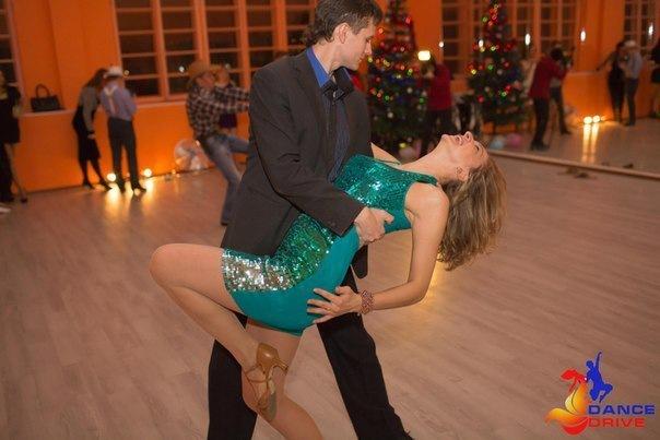 Учитесь танцевать сальсу бесплатно в Dance Drive