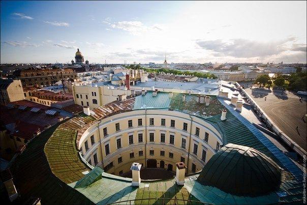 17 необычных петербургских дворов
