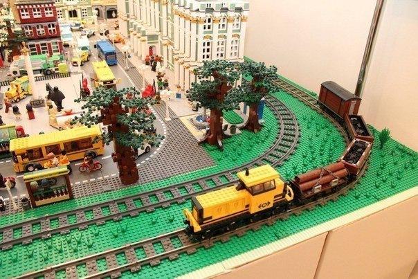 В Петербурге открылся первый музей Lego