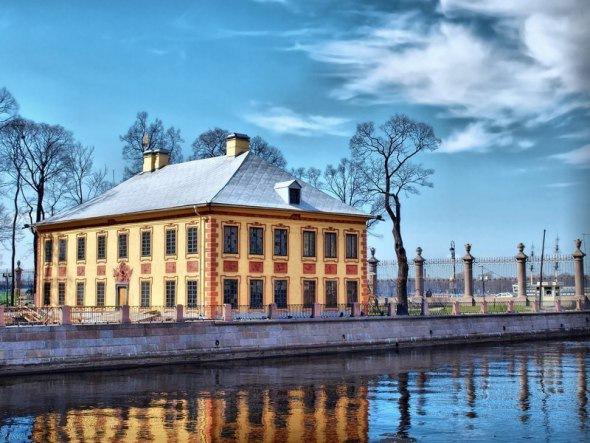 Дворцы Дворцовой набережной