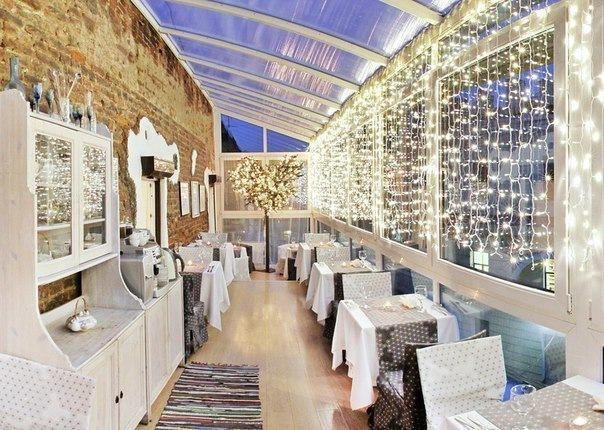 Рестораны в самых необычных местах Петербурга