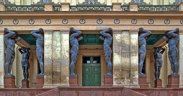 15 мест в Петербурге, где загадывают желания