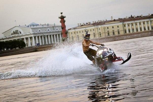Где покататься на гидроцикле в Петербурге