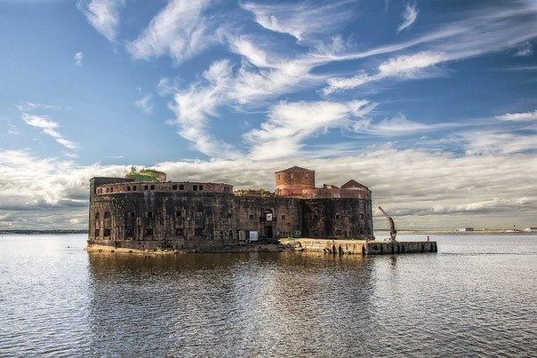 Десять фортов вокруг Кронштадта