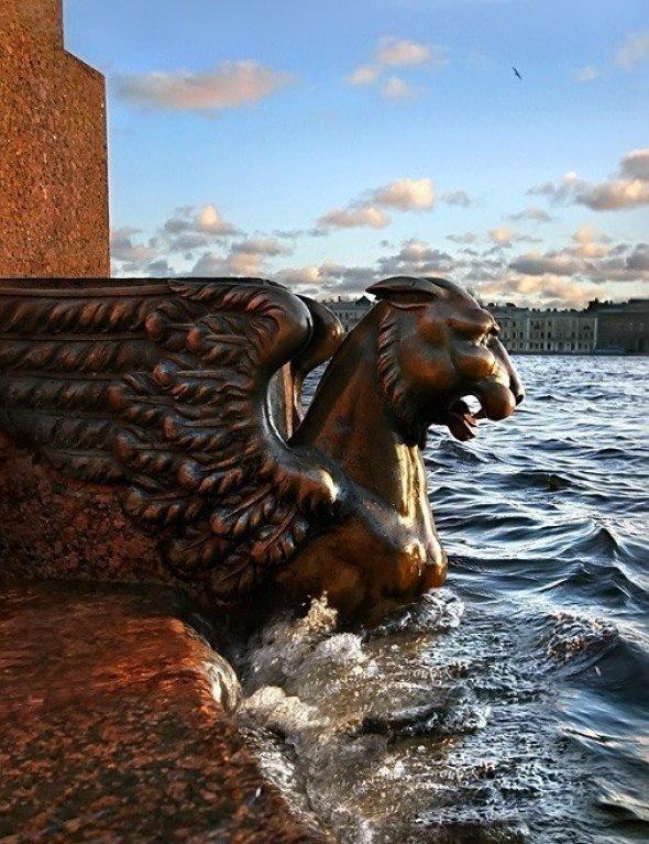 Восемь мифических существ Петербурга