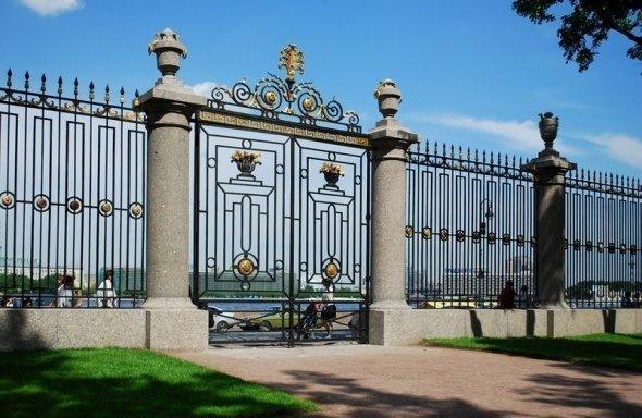 Решетки и ограды Петербурга