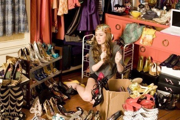 Куда деть ненужную одежду и обувь