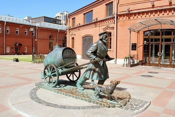 Памятники Петербурга, связанные с водой