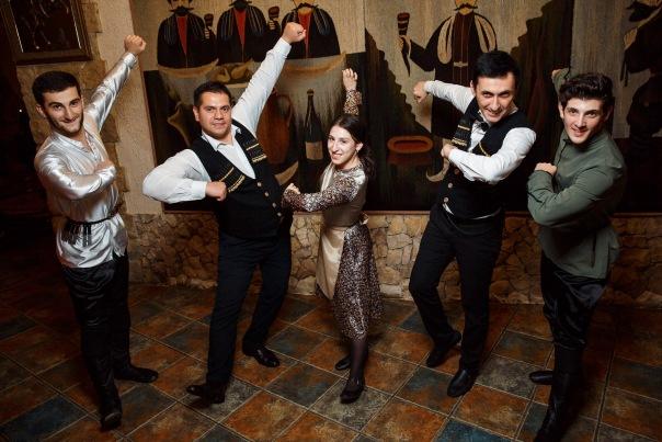 Живая музыка и Кавказские танцы с ансамблем Сакартвекло в Ресторане Грузинской кухни Пиросмани