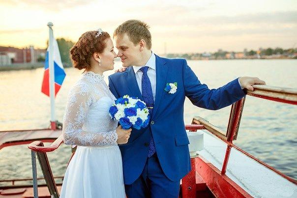 Успеть отпраздновать осеннюю свадьбу на теплоходе