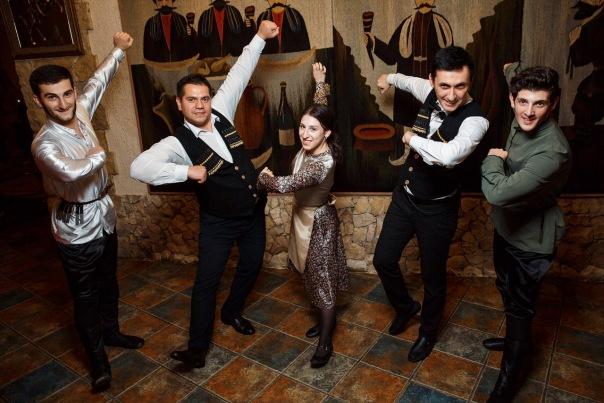 Живая музыка и Кавказские танцы с ансамблем Сакартвело в Ресторане Грузинской кухни Пиросмани