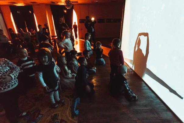Новогодняя программа от театра теней Moonlight для детей