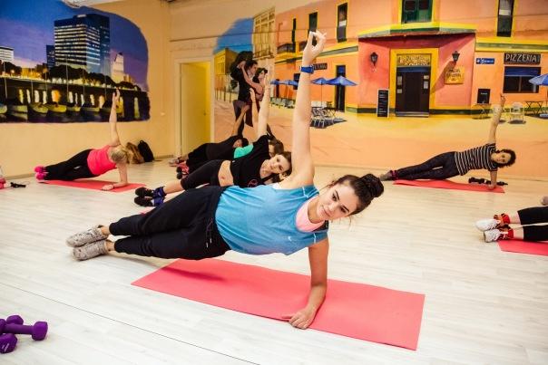 Фитнес курс Сушка с Полиной Пономаревой в студии танцев S17 на Конюшенной пл. д2