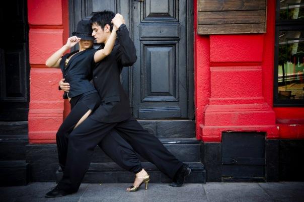 Приглашаем всех на бесплатный открытый урок аргентинского танго в школе танго Gatos Verdes