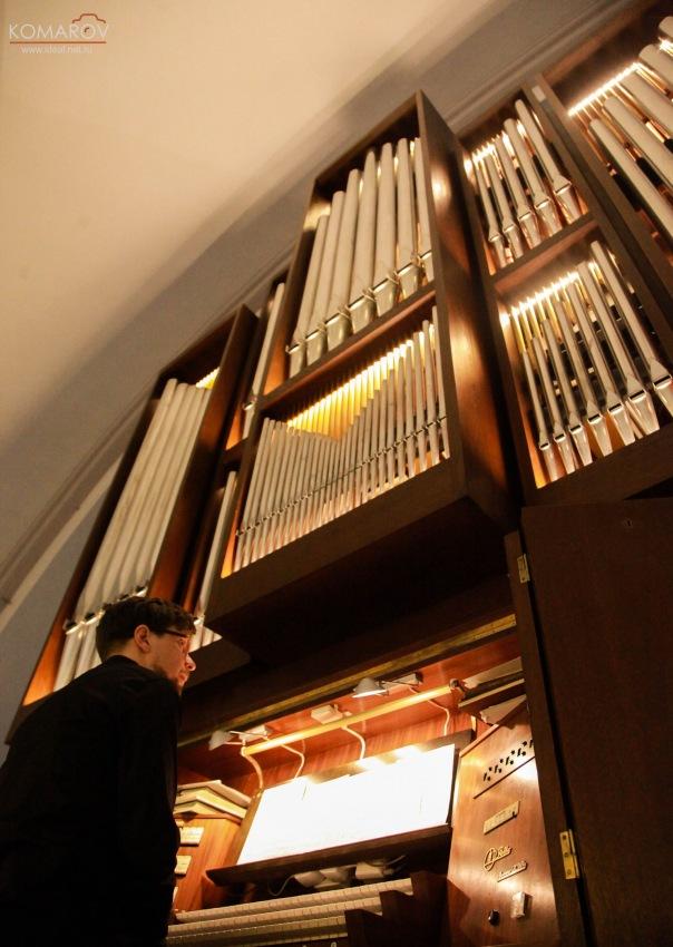 В субботу в центре Петербурга состоится необычный органно-фортепианный концерт «Бах vs. Бетховен»