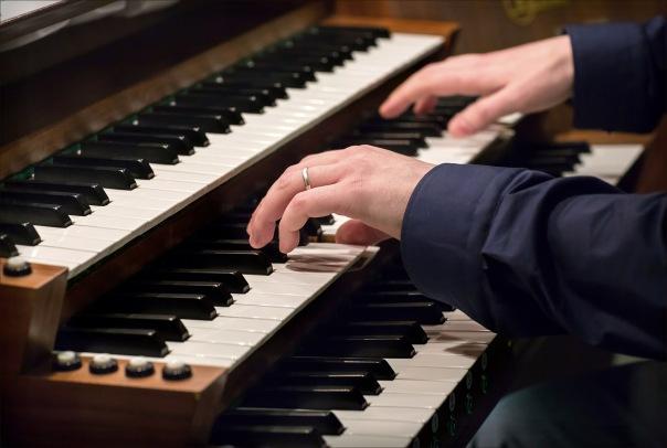 В воскресенье в центре Петербурга пройдет необычный органно-фортепианный концерт