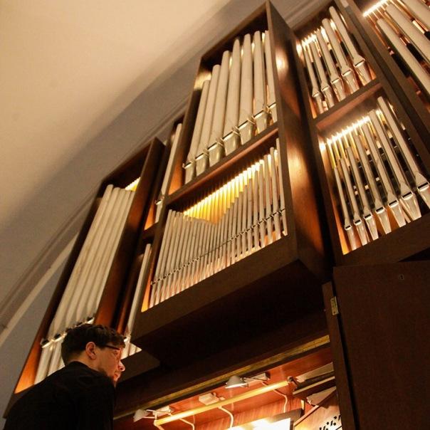 В кафедральном соборе Petrikirche пройдет необычный концерт «Орган + Опера»