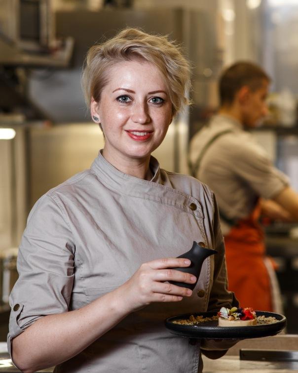 Chefs table и патефонный диджей в all Seasons