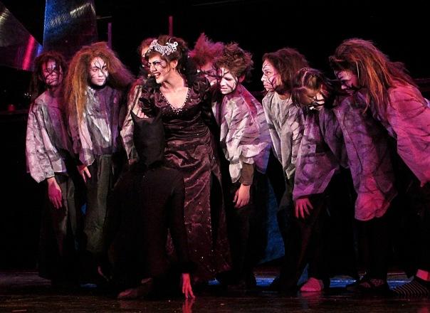 Невероятная рождественская сказка для вас и вашей семьи на сцене театра Мюзик-холл!