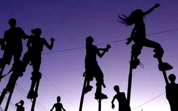 Где в Петербурге научиться жонглировать и выполнять акробатические трюки