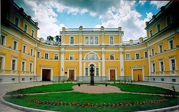 Топ-8 музеев-квартир писателей в Петербурге