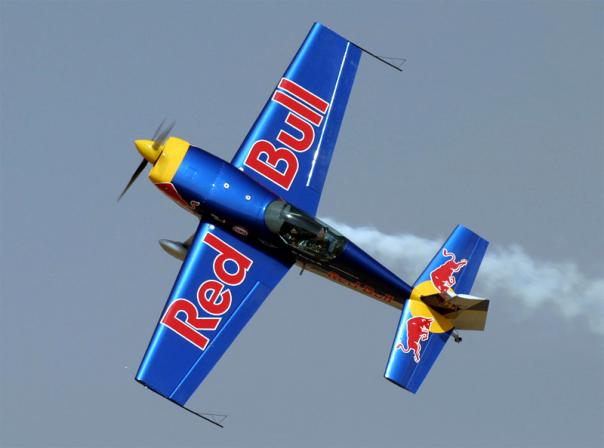 Полет на самолете Extra 300 в СПб с фигурами высшего пилотажа!