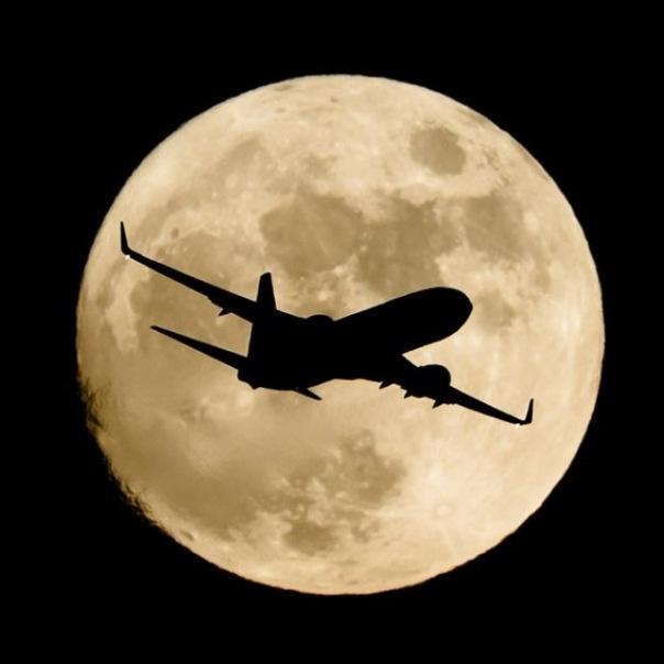 Ночной полет на самолете вокруг Санкт-Петербурга