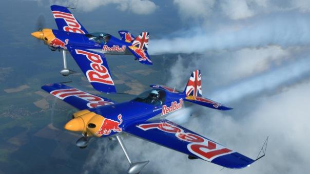 Полет на самолете с фигурами высшего пилотажа