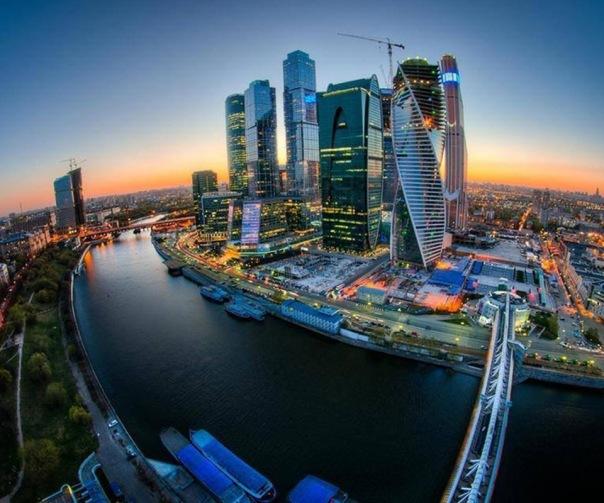 Как не дорого съездить на майские праздники из Москвы в Питер и обратно