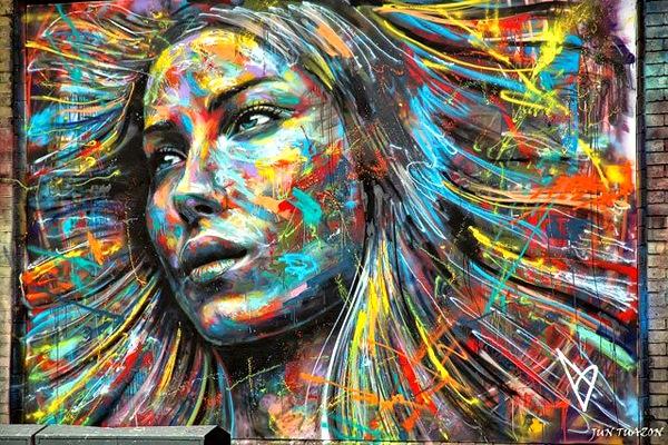 Смольный хочет частично легализовать граффити