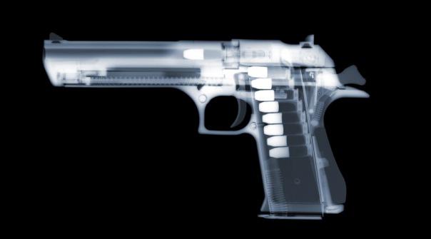 В Пулково с оружием задержан вор в законе