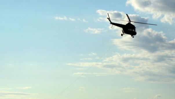 При падении вертолета в Финский залив погиб человек