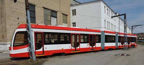 Смольный покупает три трамвая за 250 млн рублей