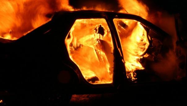 Очередное возгорание автомобиля в Колпино