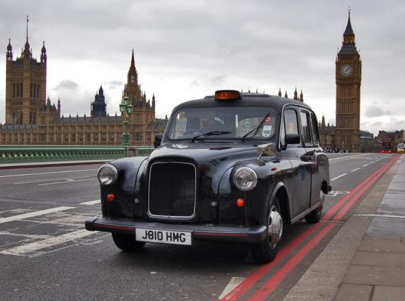 Смольный разместит рекламу Петербурга на лондонских кэбах