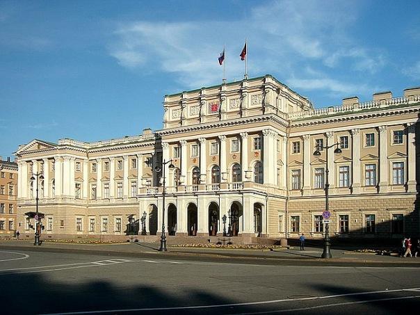 Петербургский ЗакС окончательно запретил продажу алкогольных энергетиков