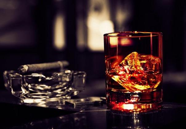Власти обсудят возобновление торговли пивом и сигаретами в ларьках
