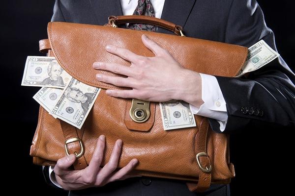 В Петербурге раскрыли крупную банковскую преступную схему